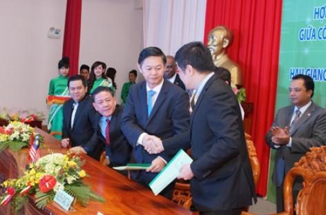 Việt Nam lần đầu có nhà máy nhiệt điện đốt bằng vỏ trấu