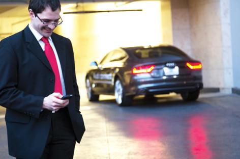 Công nghệ đỗ xe tự động của Audi