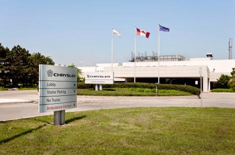 Dạo quanh nhà máy lắp ráp ô tô Chrysler tại Ontario, Canada