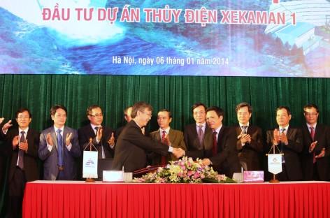 Ký hợp đồng tín dụng cho dự án thủy điện Xekaman 1