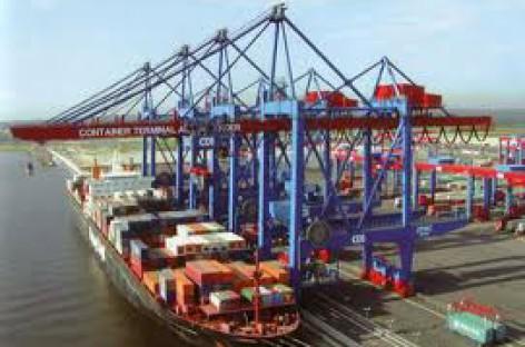 Giảm thiểu ô nhiễm môi trường tại cảng biển