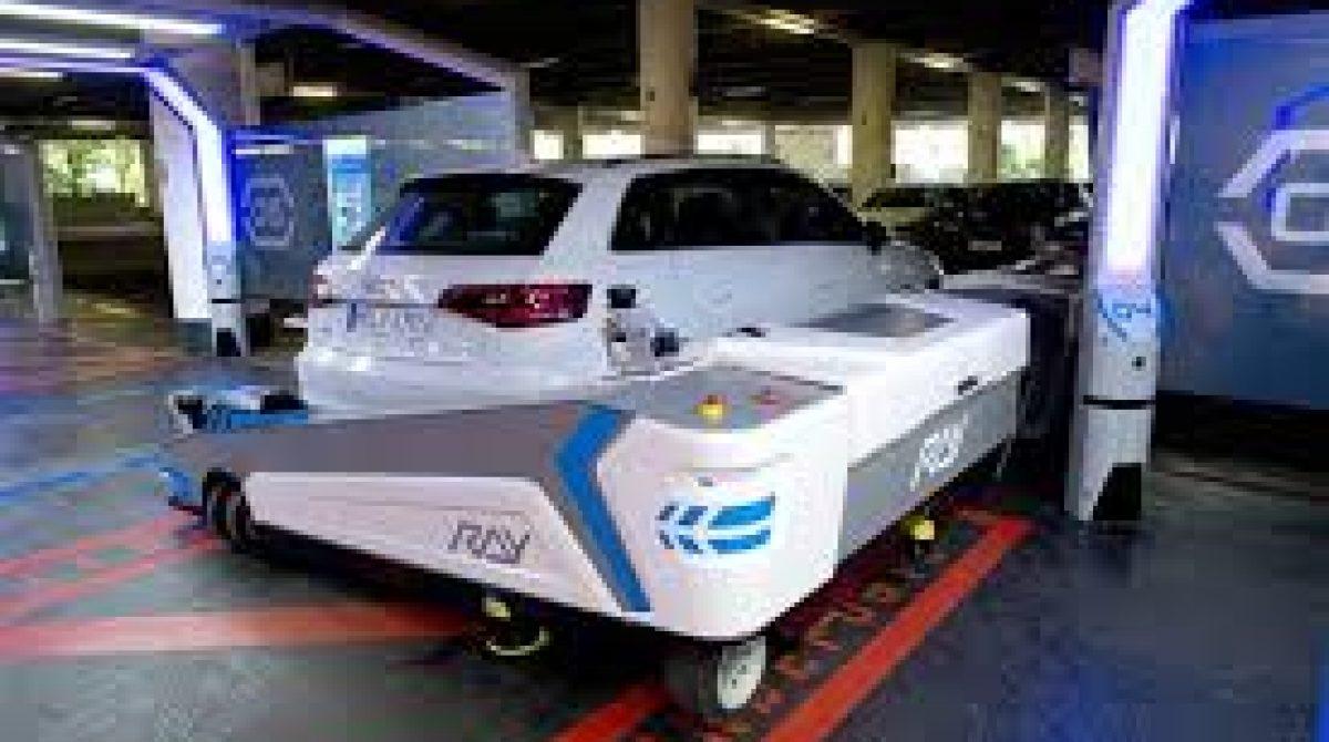 Robot giúp đỗ xe tự động tại sân bay Đức