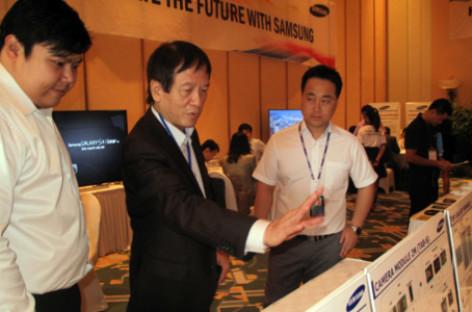 Tuyển doanh nghiệp làm ốc vít, sạc pin cho Samsung