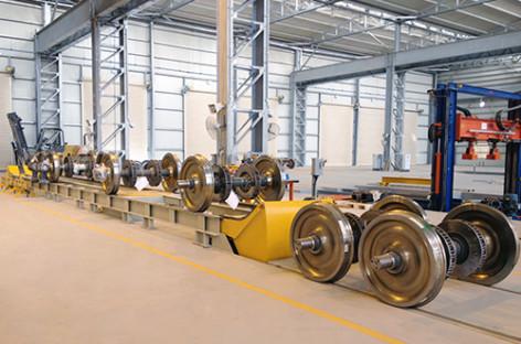 Một số máy móc phục vụ bảo trì bánh xe tàu hỏa của Inndes