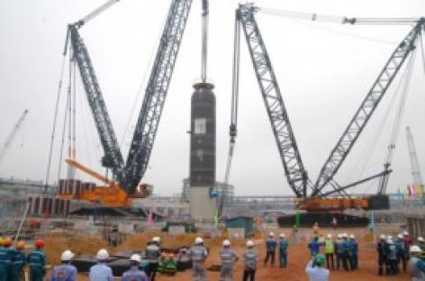 Lắp thành công thiết bị siêu trọng dự án lọc dầu Nghi Sơn
