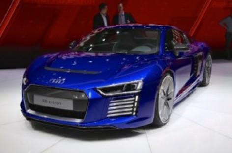 Siêu xe Audi R8 2015: Nhẹ hơn, mạnh hơn