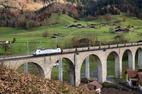 BLS Cargo ký hợp đồng mua đầu máy xe lửa đa hệ từ Siemens
