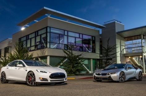 So sánh Tesla Model S và BMW I8
