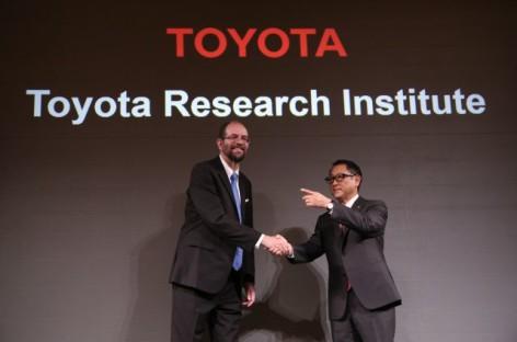 Toyota chi một tỉ USD phát triển xe tự lái