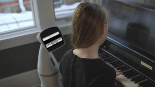 Robot-thong-minh-giup-trong-nha-01