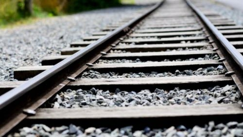 Bi the train tracks - 3 part 1