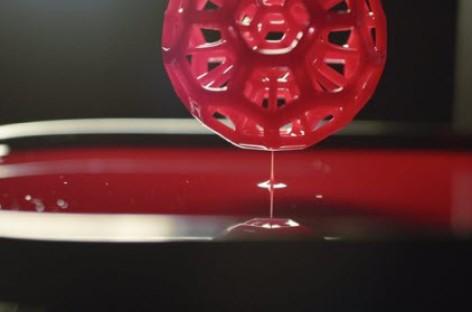 [Video] Công nghệ in 3D mới sử dụng tia UV để tạo hình từ chất lỏng