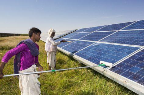 Ấn Độ: năng lượng mặt trời rẻ hơn than đá vào năm 2020