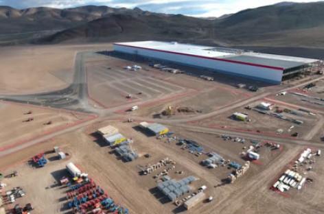 Gigafactory, nơi Tesla bắt đầu cuộc lật đổ các hãng xe hơi truyền thống