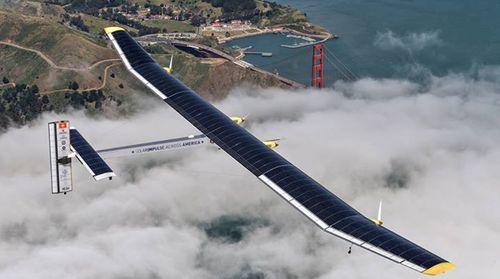 [Infographic] Solar Impulse - may bay nang luong mat troi