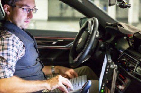 [Tiêu điểm tại CeBIT 2017] BMW sẽ tiến hành thử nghiệm xe tự lái trong năm 2017