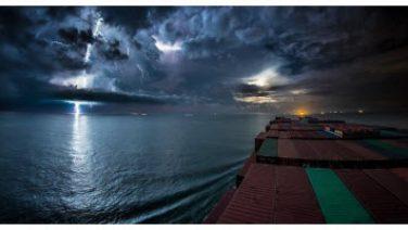 [Video] Ngắm nhìn cảnh quan trời biển từ con tàu 30 ngày trên biển qua sự kết hợp của 80.000 tấm hình