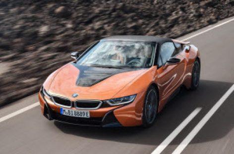 BMW giới thiệu i8 mui trần, nâng cấp i8 Coupe với hiệu suất vận hành tốt hơn