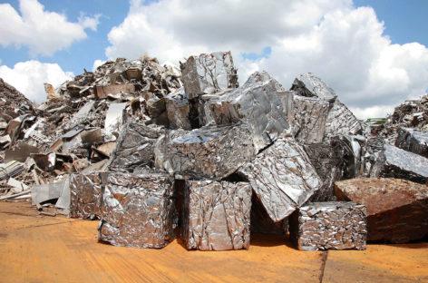 Sản xuất thép từ thép phế liệu giúp giảm lượng khí thải CO2