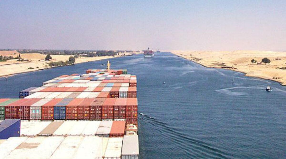 Video hải trình vượt kênh đào Suez